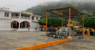 Claman por agua y seguridad en Amatlán