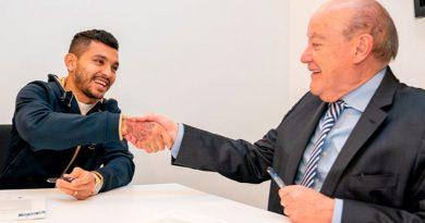 ¡No deja de ser Dragón! Tecatito firma extensión de contrato con Porto hasta 2022