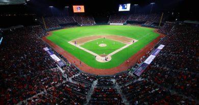 Estadio Alfredo Harp Helú vibra con inauguración entre Diablos y Padres