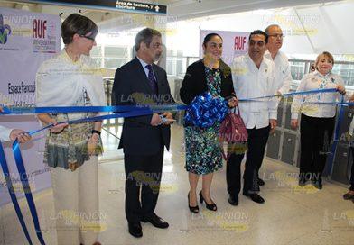 Inauguran sala RÉFRA-AUF en el centro de idiomas de la USBI