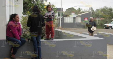 A mantenerse bien abrigados insta Sector Salud en Cerro Azul