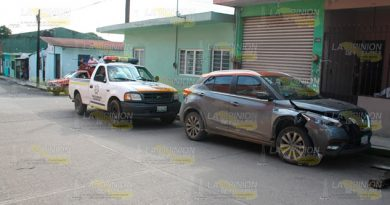 Abandonan camioneta accidentanta en Tlapacoyan