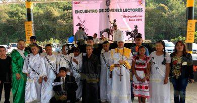 Alumnos de telesecundarias realizan Encuentro de Jóvenes Lectores en Coatzintla