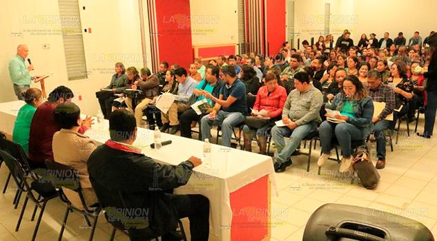Ayuntamiento de Álamo ayudó a la regularización de escuelas