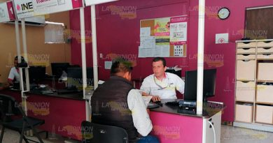 Ciudadanos se reincorporan al padrón en la zona de Tuxpan