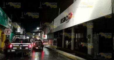 Cristalazo en sucursal bancaria de Tuxpan