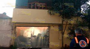 Explosión deja una persona lesionada y daños materiales en Xalapa