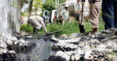 Familias cansadas por los escurrimientos de hidrocarburo en Poza Rica