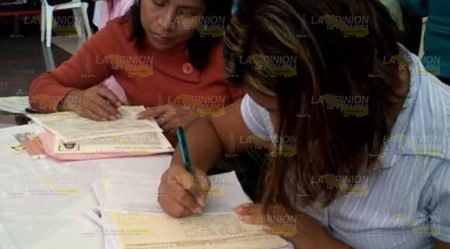 IVEA acerca servicios a la población rural de Papantla