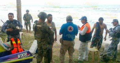 Jóvenes turistas son arrastrados por la marea en Tuxpan