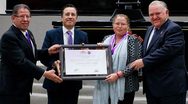 Llama Gobernador a unir esfuerzos para erradicar la violencia contra las mujeres