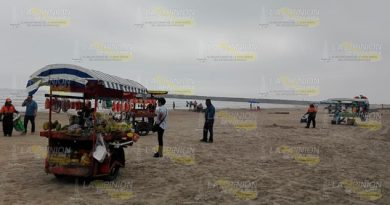 Mayor control de vendedores en playas de Tuxpan