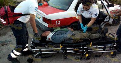 Mujer resulta lesionada en aparatoso choque en Martínez de la Torre