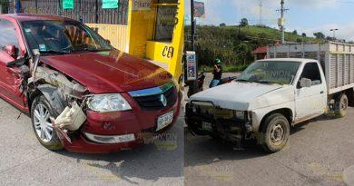 No ceden el paso y colisionan en la carretera Poza Rica - El Tajín