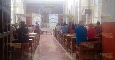 Ofician misa tras derrumbe en parroquia de Cerro Azul