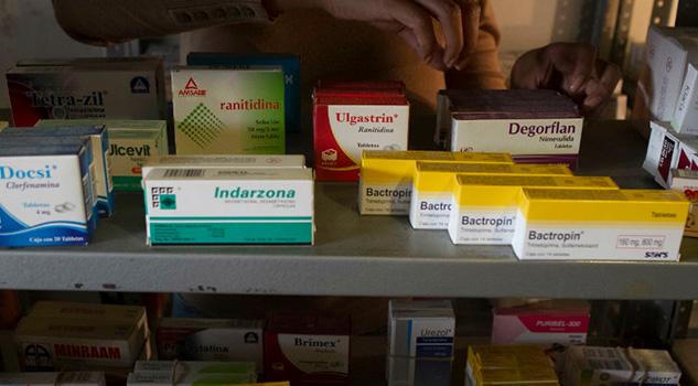 Perfilan comprar medicina a compañías extranjeras