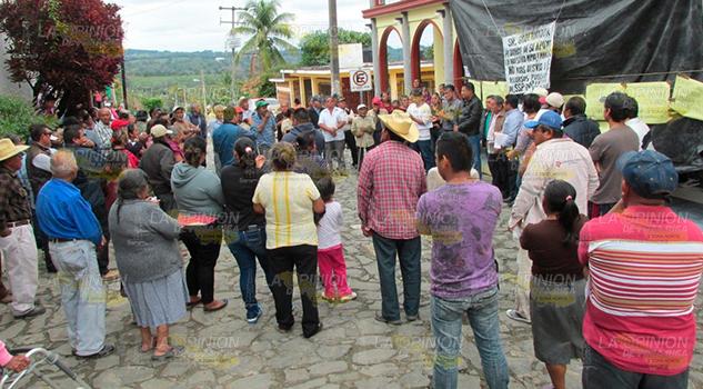 Piden destituir a alcaldesa y seguidores en Tancoco