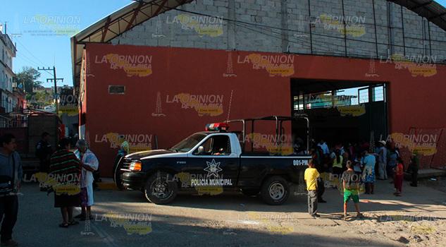 Policía de Mecatlán al servicio del alcalde y no de la ciudadanía