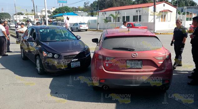 Provoca accidente en Tuxpan por intentar dar vuelta en U