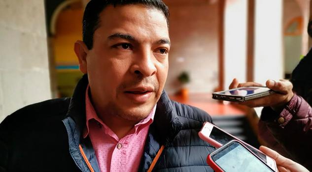 Reducción salarial de diputados sería sólo de 5%, Gómez Cazarín
