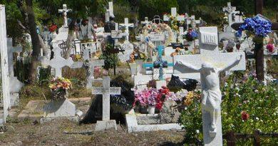 Ya no hay espacio para los difuntos en los cementerios