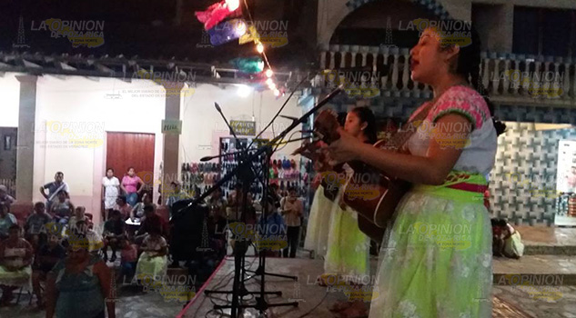 """Largas"" a aula de espacio musical en Zozocolco de Hidalgo"