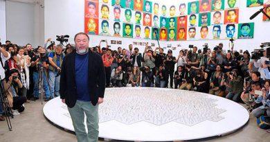 Ai Weiwei inmortaliza a los 43 de Ayotzinapa con un millón de Legos