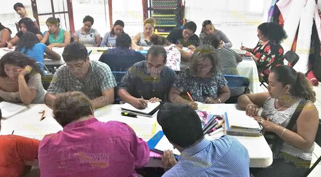 Alertan contra falsos gestores de certificados en Tuxpan