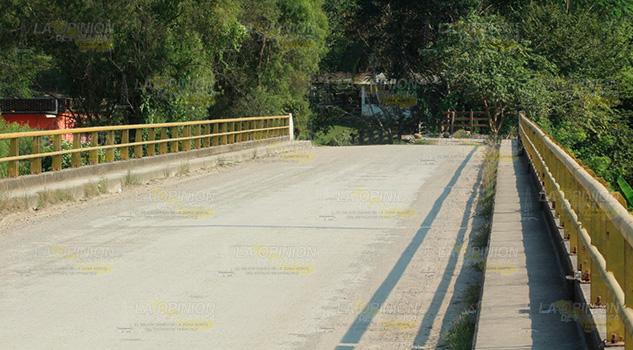 Asaltan a promotores de financiera en el puente Espinal - Puebla
