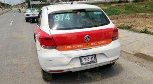 Camioneta se impacta en un taxi en Tuxpan