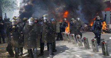 """""""Chalecos amarillos"""" desafían al Gobierno francés con nuevos disturbios"""