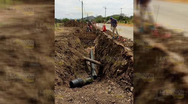 Continúa el desabasto de agua en 16 localidades de Tihuatlán