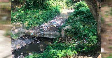 Crece contaminación en zanjas y arroyos de Tihuatlán