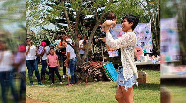 Danzas con bebé para celebrar la maternidad a nivel mundial