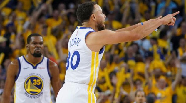 Durant y Curry adelantan al campeón en la batalla ante los Rockets