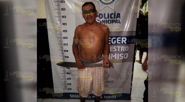 Ebrio y con machete en mano, amenazaba a vecino en Espinal