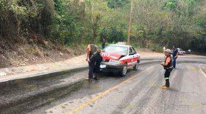 Encontronazo entre taxi y camión de carga en el tramo Papantla - El Chote