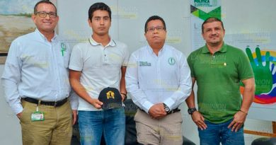 Estudiante destacado de Tuxpan realizará una estancia de 4 meses en Colombia