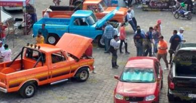 Exhiben autos modificados en Huejutla, Hidalgo