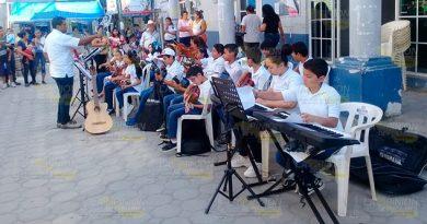 Foguean a los alumnos de música de Álamo por el Día Mundial del Arte