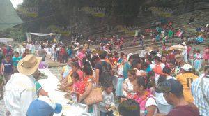 Inicia festival totonaca La cueva del Tigre, actividades deportivas sobre el río Ajajalpan