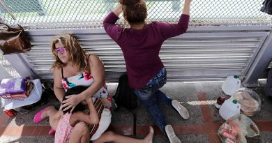 Juez federal prohíbe que EUA obligue a migrantes centroamericanos a esperar en México
