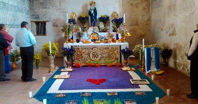 La tradición del Altar de Dolores continúa en los recintos del INAH