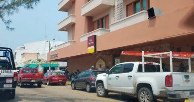 Marina refuerza seguridad de empleados de la CFE en Coatzacoalcos