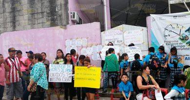 No quieren al director de escuela primaria en Tuxpan