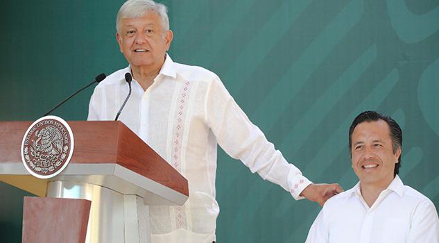 No se van a escapar, vamos a resolver la masacre en Minatitlán Gobernador