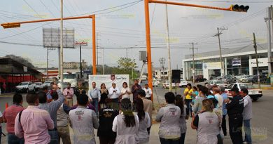 Por fin colocaron semáforos nuevos en Poza Rica