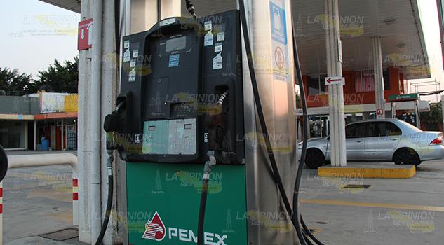 Presume AMLO datos erróneos sobre costos de la gasolina