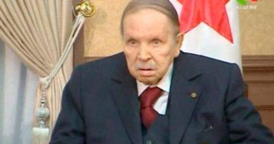 Renuncia el presidente de Argelia tras 20 años en el poder