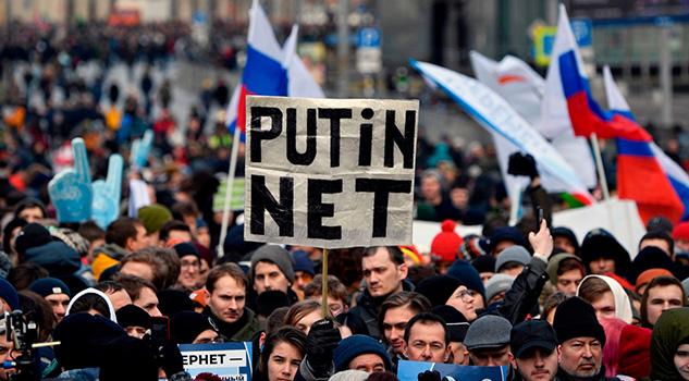 Rusia aprueba la ley que refuerza su capacidad de censura en Internet